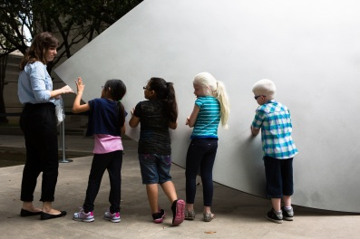 Touch tour with Ellsworth Kelly sculpture