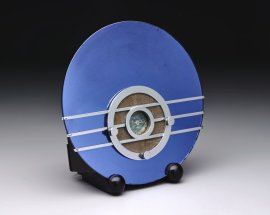 Walter Dorwin Teague, Bluebird Radio Model 566, designed 1934, Dallas Museum of Art, bequest of Sonny Burt.